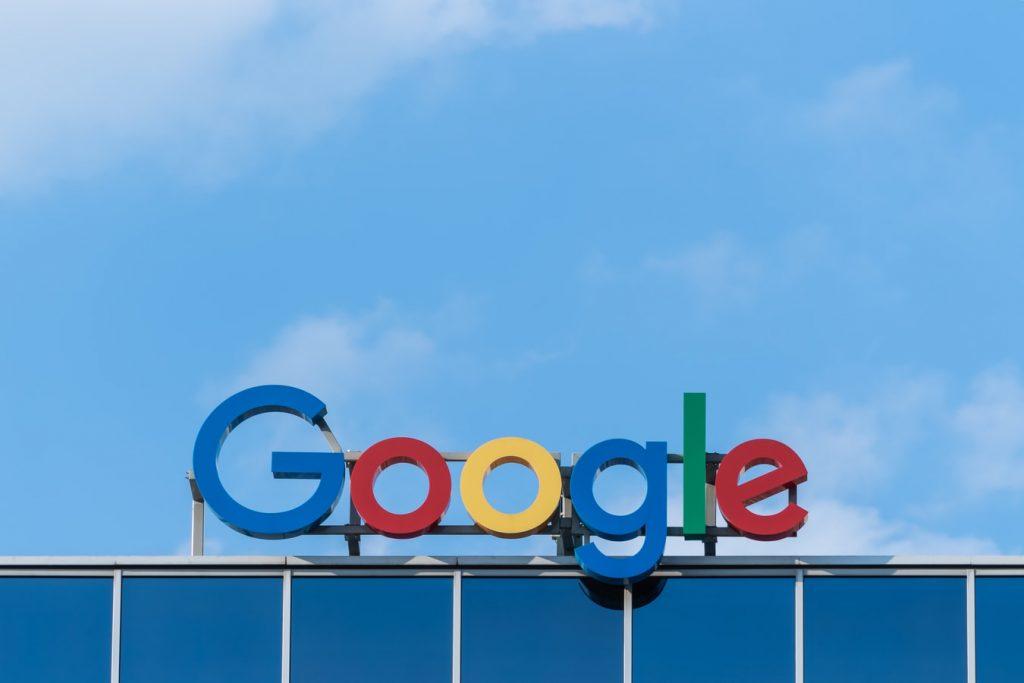 Google Sign, Nasdaq, Alphabet, SpaceX Stock, Profit, Investment